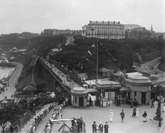 Historical photo of Scarborough Spa Bridge