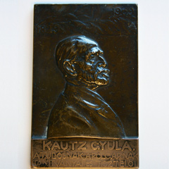 Plaque of Hungarian economist Gyula Kautz