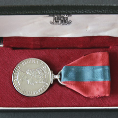 EIIR Imperial Service Medal boxed Image 2