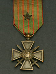 French Croix de Guerre with 5 pointed ribbon star