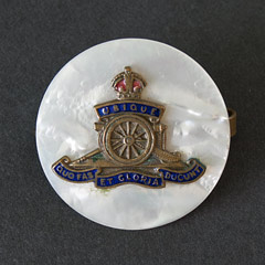 Royal Artillery Sweetheart Brooch Image 2