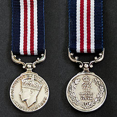 MM Miltary Medal Miniature Image 2