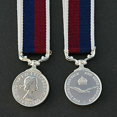 RAF Long Service Good Conduct QE2 Miniature Medal